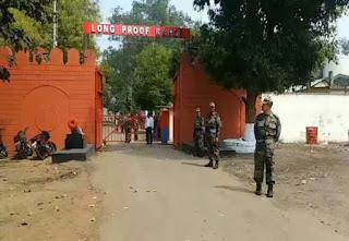 चोरों ने उड़ा दिए एंटी टैंक एमुनेशन के पुर्जे, एलपीआर की सुरक्षा में सेंध खमरिया थाने में रिपोर्ट दर्ज
