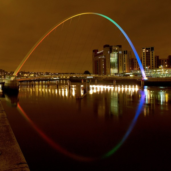 Gateshead Millennium Bridge by Jamesgalpin