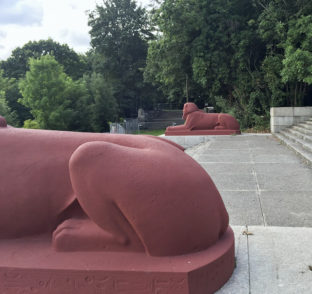 Crystal Palace Park sphinxes, 10 August 2016.