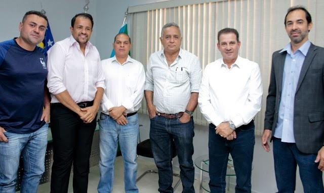 Senador Canedo: Vanderlan Cardoso busca aproximação com Prefeito Divino Lemes