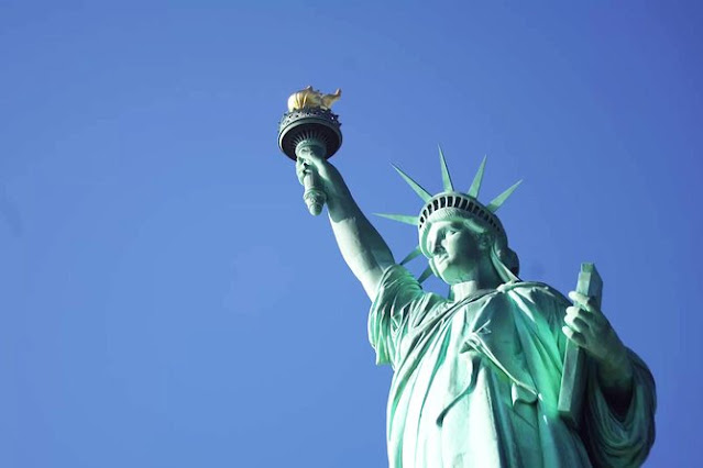 Tượng nữ thần tự do màu xanh lục hiện nay