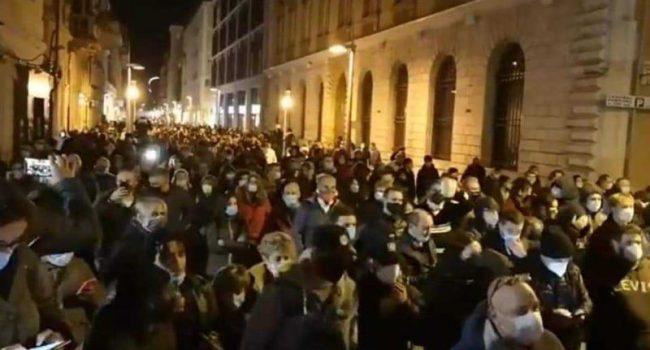 Proteste contro il dpcm in tutta Italia