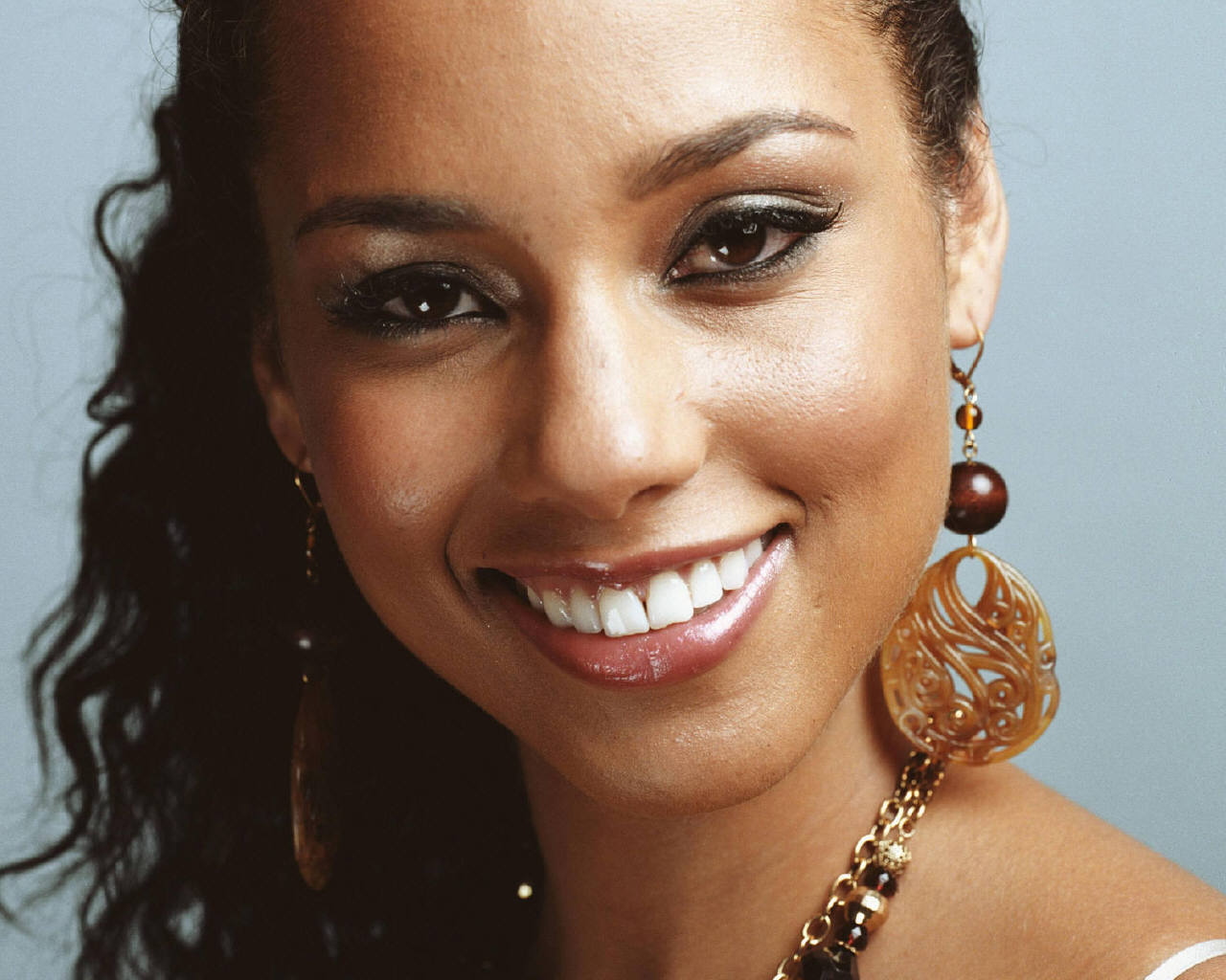 Alicia Keys: Alicia Keys=jessica Alba ? Pictures Of Them Together