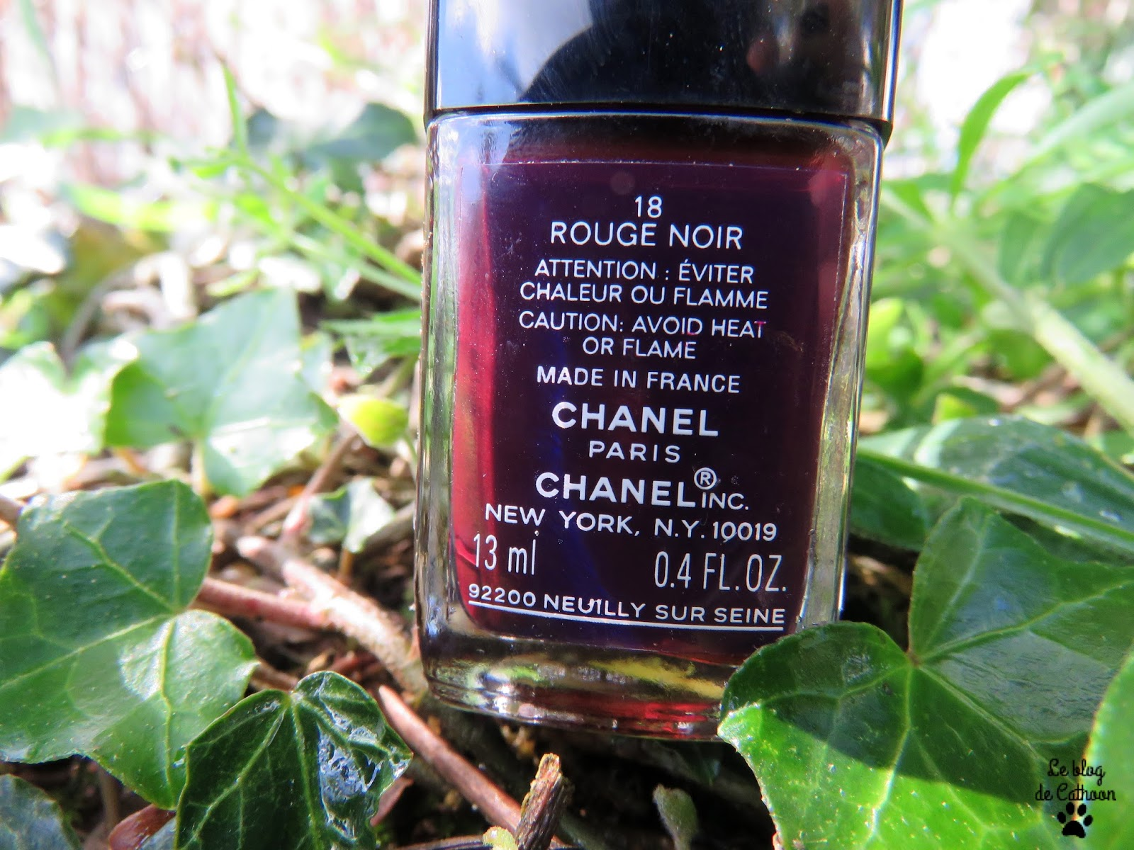 Rouge noir vernis Chanel