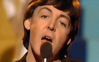 videos-musicales-de-los-90-paul-mccartney-coming-up