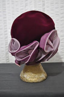 https://www.etsy.com/listing/255680759/50s-vintage-velvet-burgundy-pill-box-hat?ref=shop_home_active_10