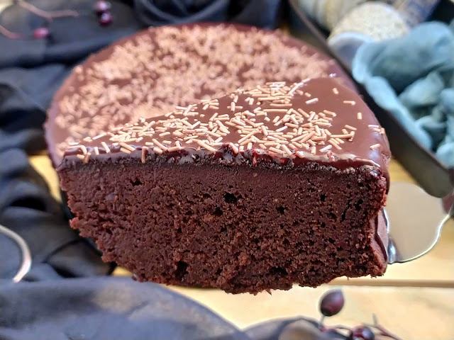 Tarta de remolacha y chocolate especiado. Receta saludable. Healthy Fit Beet Especias, chili Lindt. Postre cremoso, jugoso, húmedo, sencillo Cuca