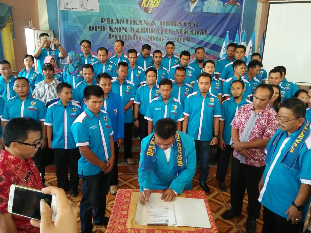 Jonveri Resmi Menjadi Ketua DPD KNPI Kabupaten Sekadau Periode 2016-2019