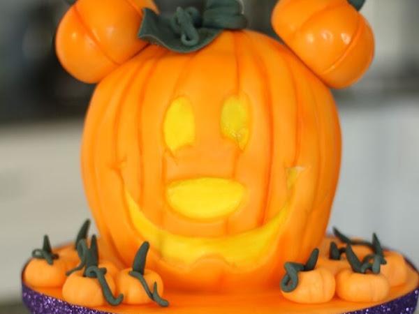 Mickey Pumpkin Head Cake