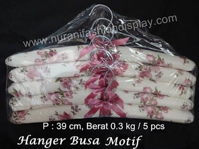 Hanger Busa Motif