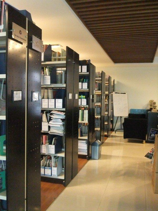 Perpustakaan Tempat Baca Buku Daniel S Lev