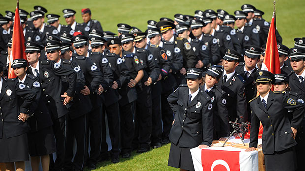 polislik-mülakat-tarihi-degisitirme