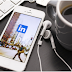 7 Tricks Celebrities and LinkedIn Writers Use in Their Profiles