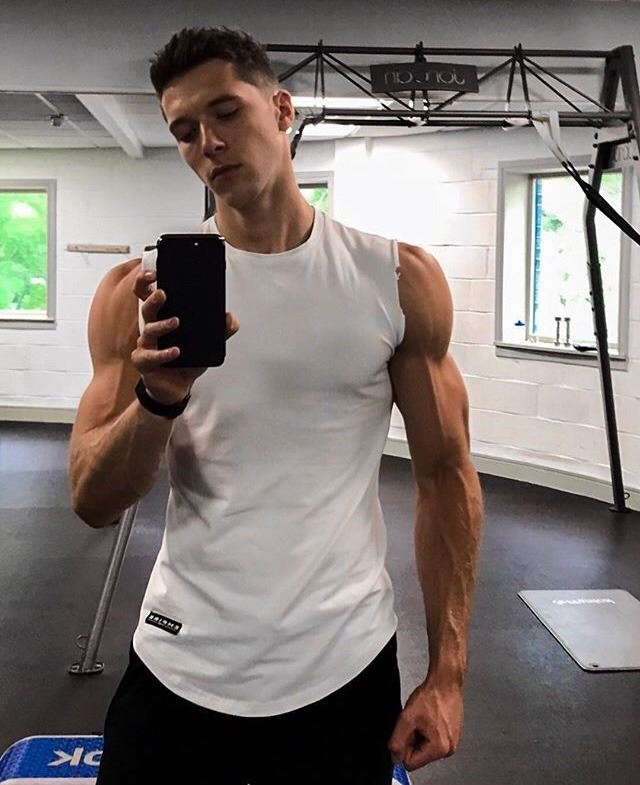 tall-gym-bro-fit-young-jock-dark-hair-strong-veiny-arms-beautiful-male-biceps-selfie