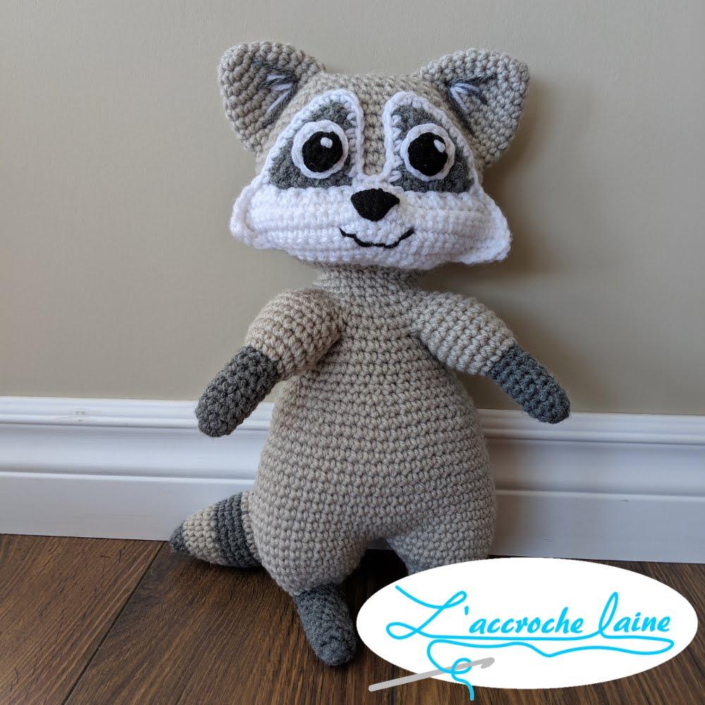 Lapin lecteur au crochet DIY modèle tuto gratuit   Crochet diy ...   1000x1000