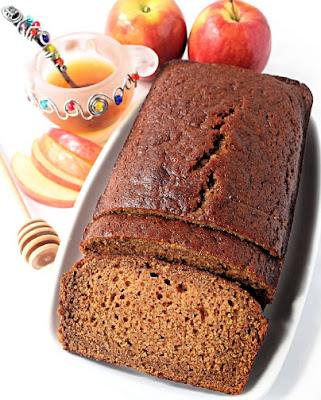 Honey Applesauce Cake by The Monday Box