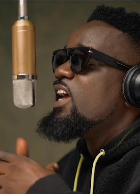 """Rapper Sarkodie Drop Visuals For """"Bleeding"""" Off the #ALPHA EP, Ghana's Rap King Sarkodie debuts on the session with video of his dope track """"Bleeding""""."""