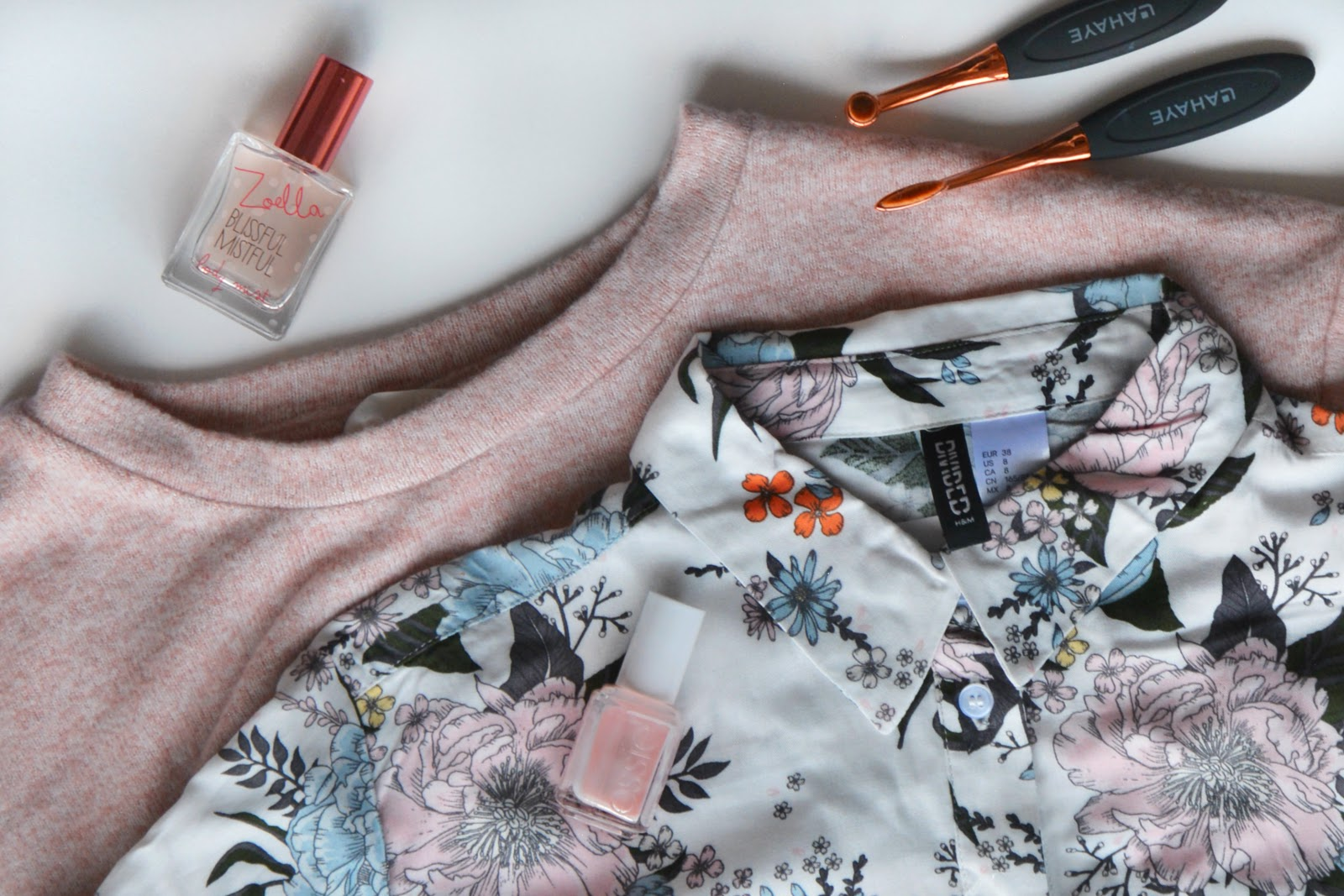 H&M Blouse, H&M Sweatshirt, Zoella Blissful Mistful Body Mist, Lahaye Brushes, Essie Nail Polish
