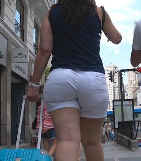 Mujeres bellas sexis curvas calle