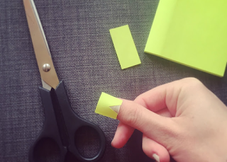 Cream nail varnish post-it note