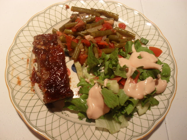 Meat Loaf, Green Beans, Lettuce Salad