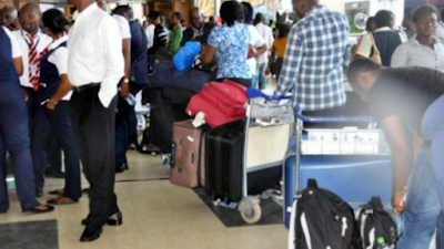 Stranded Nigerians In South Africa To Pay N400k (photos)