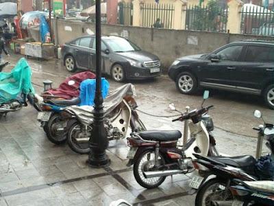Giữ xe luôn khô ráo