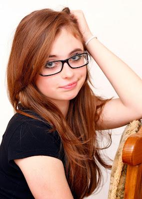 Tips Mengatasi Kacamata Sering Melorot