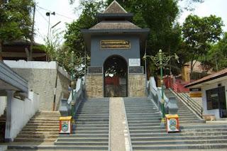Misteri Gunung Kawi Jawa Timur