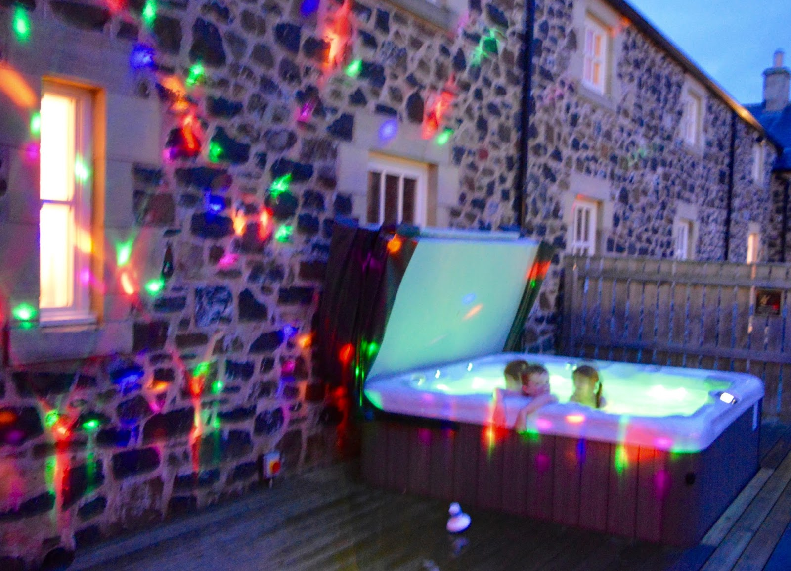 20 lodges with hot tubs within a 2 hour drive of Newcastle Upon Tyne - High Hemmel House