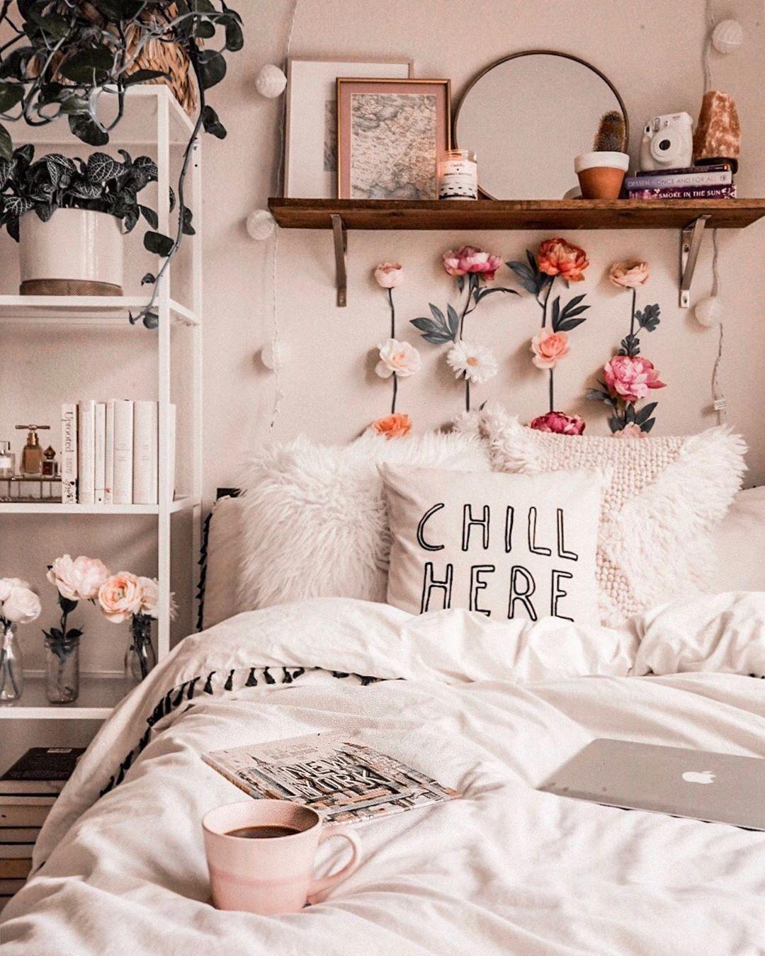 pretty cool bedroom decoration idea