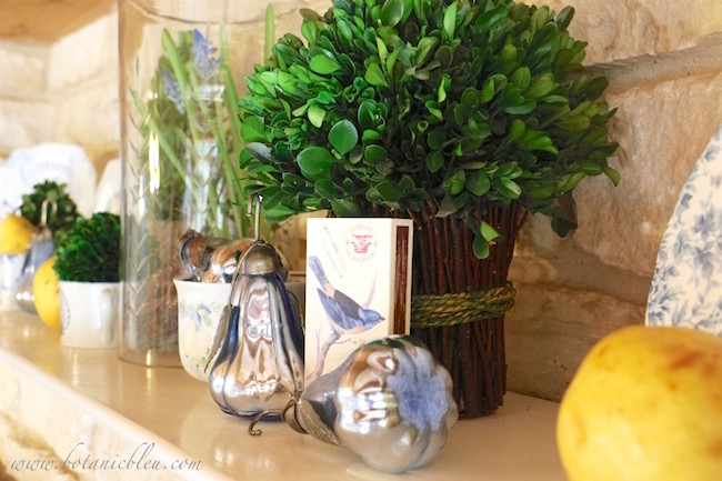 beautiful-fall-blue-metallic-pear-arrangement
