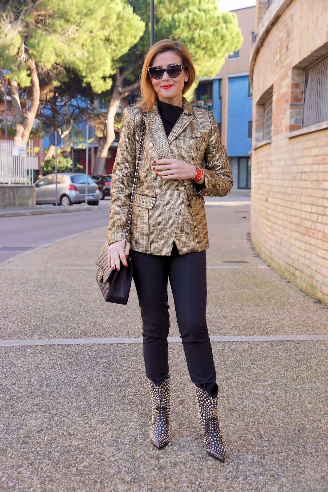 golden outfit with a golden blazer, new Le Silla boots and my Les Georgettes by Altesse cuff bracelet on Fashion and Cookies fashion blog, fashion blogger