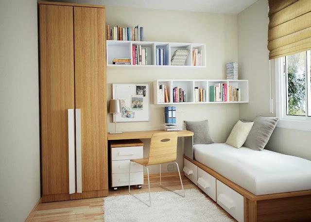 dekorasi kamar anak laki-laki dengan dinding kamar putih