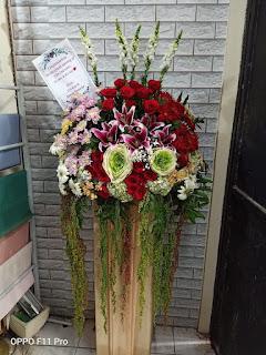 standing flower congratulations sidoarjo