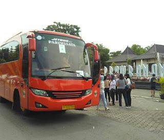 Sewa Bus Jogja seat 33