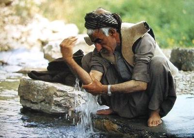 Tata cara Berwudhu Berdasarkan Al-Qur;'an dan Hadis Nabi SAW