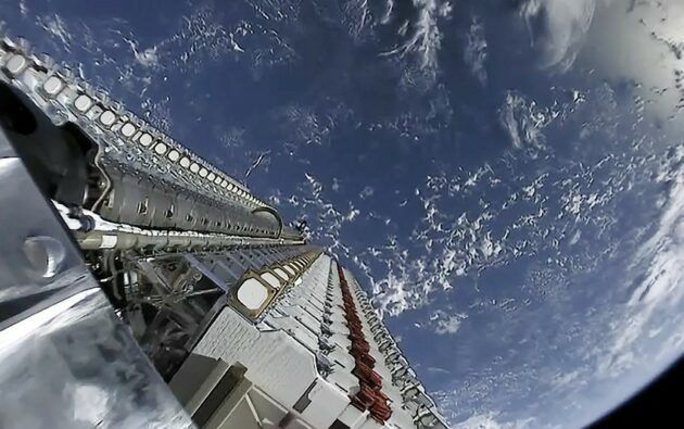 SpaceX files paperwork to launch up to 30,000 more Starlink global internet satellites - rictasblog.com