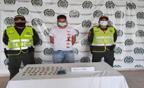 hoyennoticia.com, Detenido jibaro del barrio Leandro Díaz con 150 dosis de marihuana