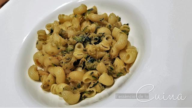 Galets, Anxoves, Carbassó, Recepta fàcil ràpida, Pasta,  l'essència de la cuina, blog de cuina de la sònia