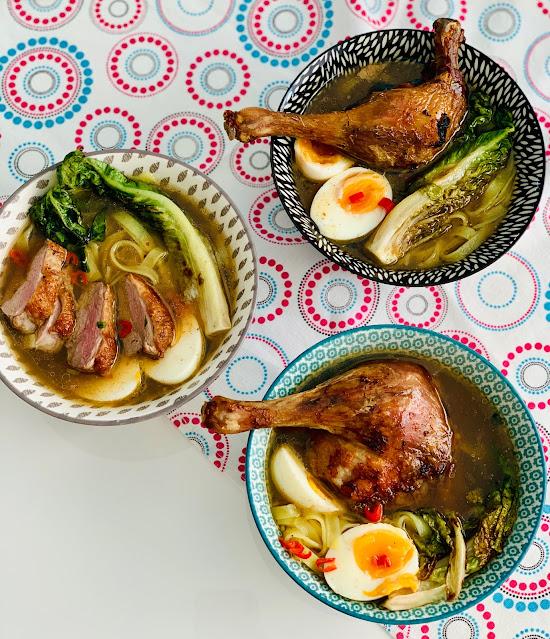 Zupa pho z pieczoną kaczką