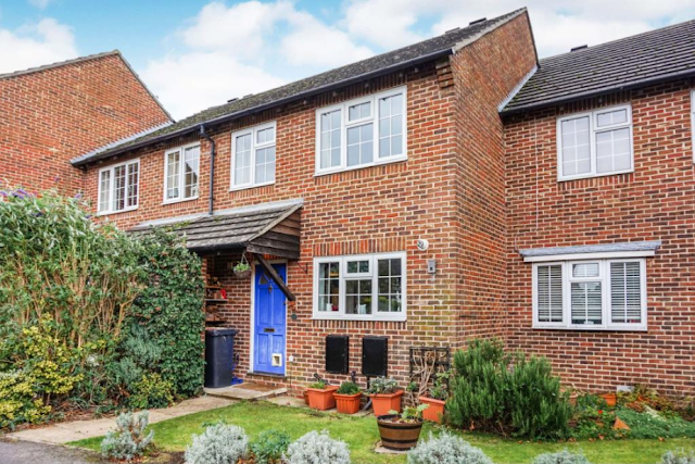 3 bed house, Tamar Way, Tangmere, Chichester