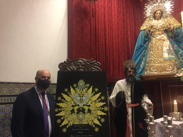 La Borriquita de Huelva muestra la corona que llevará Nuestra Señora de los Ángeles