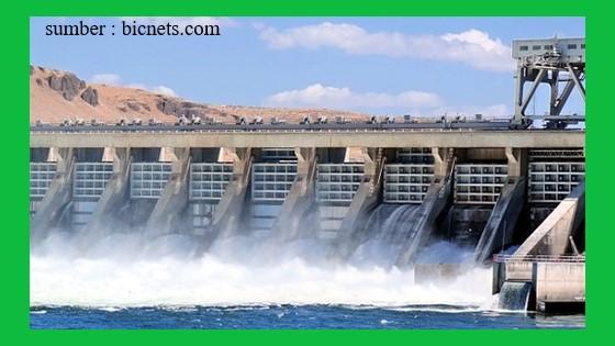 air terjun memiliki energi potensial yang dapat bermanfaat sebagai pembangkit tenaga listrik