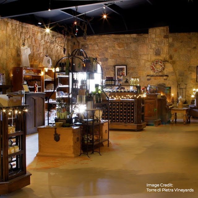 gift shop at Torre di Pietra