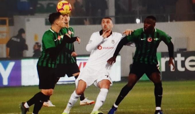 Akhisarspor-Beşiktaş maçında kural hatası.