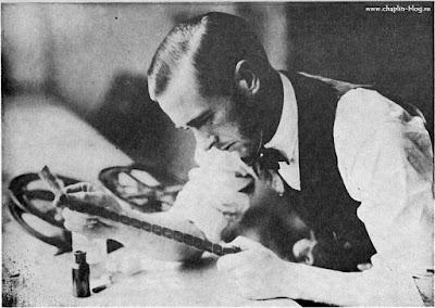 """Ролли Тотеро монтирует """"Малыша"""" в Бейонне, 1920 г."""