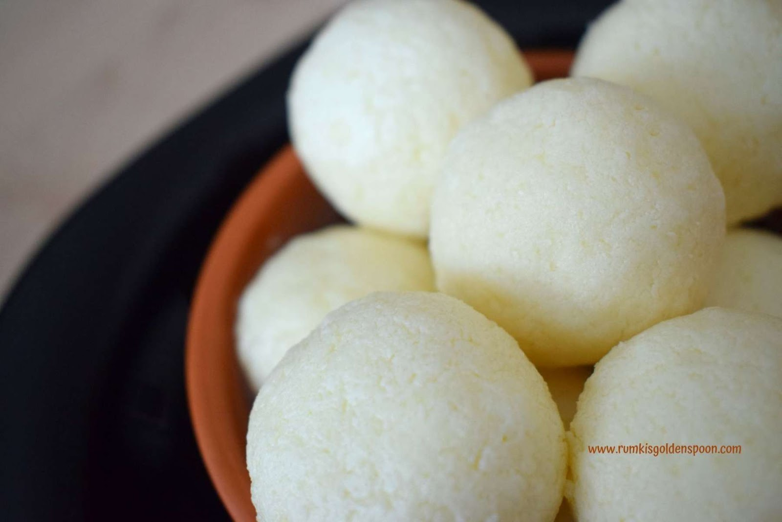 rasgulla,rasgulla rasgulla, rasgulla recipe, rosogolla, how to prepare rasgulla,bengali sweet,indian dessert recipe
