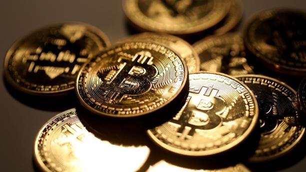 Bitcoin-meroket-tinggi-hingga-620-juta