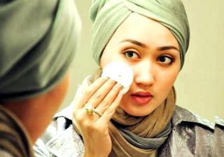 Cara mempercantik diri yang diharamkan dalam islam